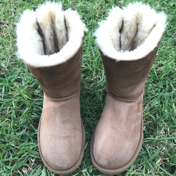 b38fcabed6f Ugg the bailey bow ll